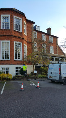 Gutter cleaning in Sevenoaks TN13